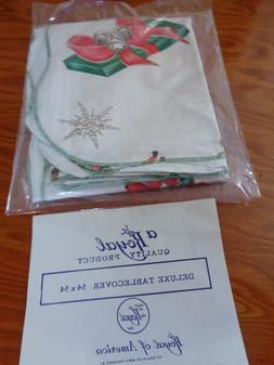 "Royal of America Vinyl Christmas Deluxe Tablecover 54"" x 54"""